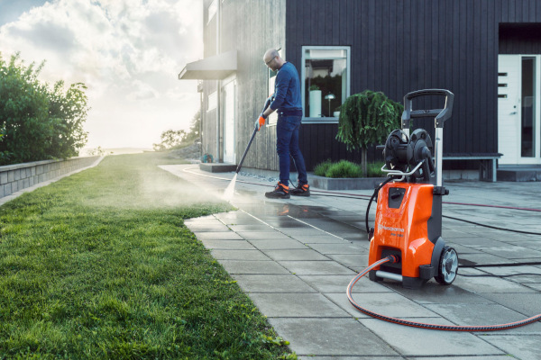 Husqvarna-Cleaning-2019.jpg